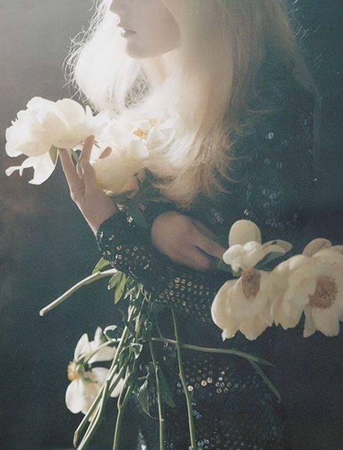 women holding flowers #saturdaysoul