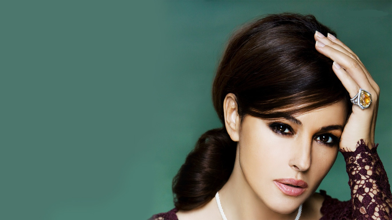 monica-bellucci-hd-wallpapers9