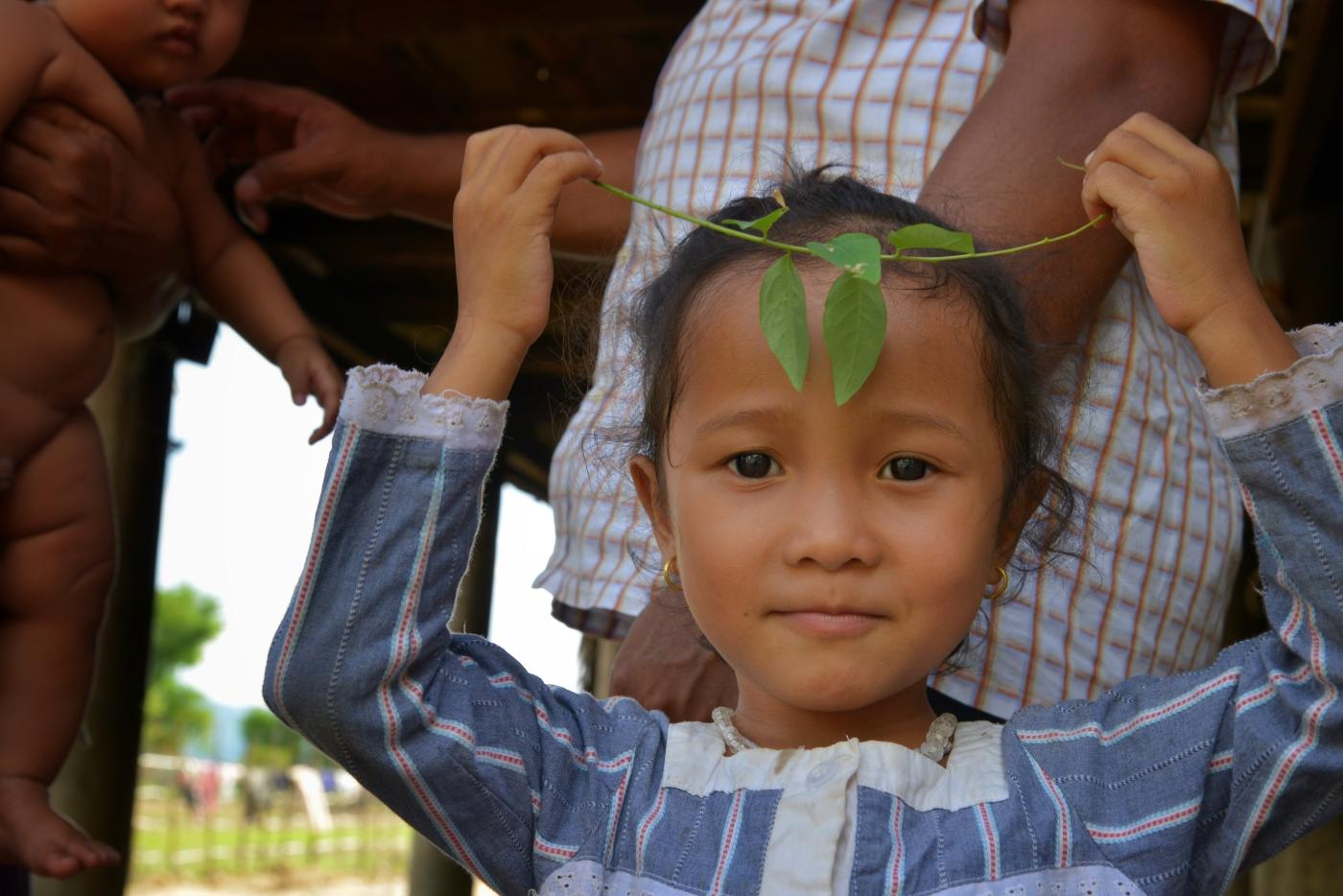 cambodian children photography by sandy hibbard lensqueen.com