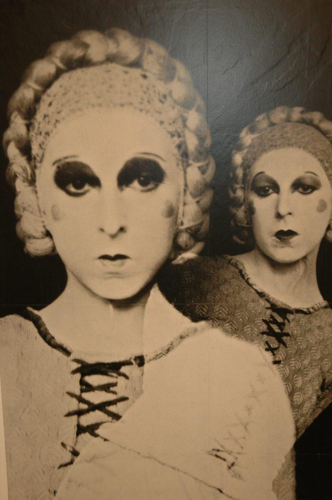 paris theatre actors in drag